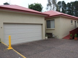 OPEN HOUSE SAT 1-1.30     UNIT 9, 45 Falls rd